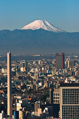 Morning Fujisan (deletio) Tags: city blue mountains 20d japan tokyo mtfuji 2010 canonef70200mmf28l