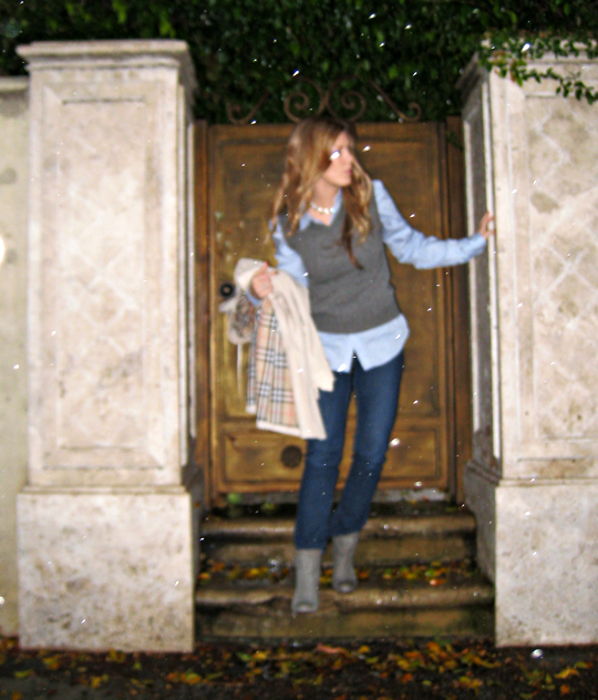 burberry trench in arms+modern casual preppy with some sparkle+in the rain+door+gray boots