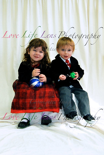 Sophia and Tristian - Holiday Portraits 010