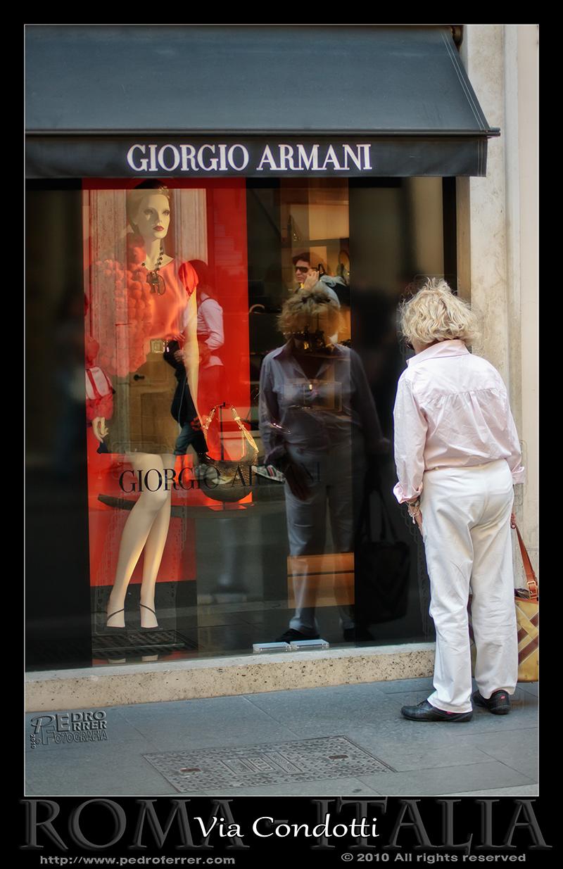 Roma - Via Condotti - Giorgo Armani