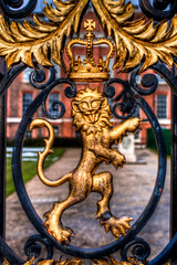 The British Lion (Tim_Arai) Tags: london architecture voigtlander lion photoaday hdr nokton kensingtonpalace 25mm f095 gf1 britishcoatofarms london2010
