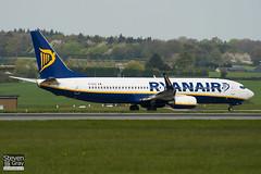 EI-EGA - 38490 - Ryanair - Boeing 737-8AS - Luton - 100427 - Steven Gray - IMG_0471