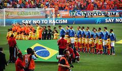 [WC2010] Brazil vs Netherlands : 14 (Crystian Cruz) Tags: world africa brazil holland cup netherlands dutch field brasil do stadium fifa south campo holanda pitch worldcup pe za mundo estdio copa 2x1 2010 portelizabeth quarterfinals nelsonmandelabay quartasdefinal