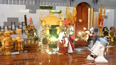 The Midas touch (Legoagogo) Tags: temple gold starwars king lego knights r2d2 lukeskywalker c3po hansolo midas yavin moc afol cewbacca
