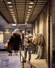 Just talking (Martin Damm) Tags: street people canon denmark photography waiting strangers talking danmark centralstation aarhus jutland jylland banegrd eos40d