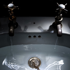 Running Hot and Cold (David Bicknell) Tags: longexposure lightpainting hot cold water sink running taps plug fa31