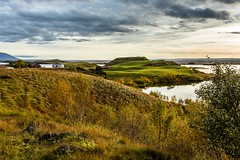 Autumm in Myvatnssveit (Einar Schioth) Tags: autumm autummcolors evening water sky sunshine canon clouds cloud coast shore nationalgeographic ngc landscape lake myvatnssveit myvatn photo picture outdoor iceland sland kalfastrond klfastrnd einarschioth