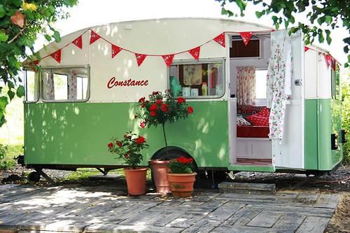 CARAVAN onstance the Vintage Caravan