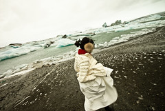 DSC00376 (t a m) Tags: ice iceland honeymoon glacier glaciers weddingdress tam sland jokulsarlon jkulsrln glacierlagoon