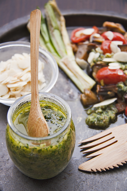 Insalata di Melanzane e Ciliegini con salsa di Mandorle e Capperi
