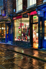 York, Yorkshire (Lord Muttley McFester) Tags: york cold wet reflections shopping nikon yorkshire shops hdr d700 photoamtic