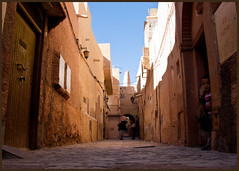 Ghardaia street (Justinsoul) Tags: voyage africa leica trip travel art monument architecture algeria town flickr oasis afrika algerie monuments paysage pays ville algrie pais afrique    mzab mozabite  fluidr justinsoul