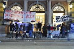 La Rete (quicksilv3r) Tags: italia novembre università trento duomo slogan ateneo proteste trentino manifesto 2010 lettere studenti manifestazione viaverdi sociologia corteo bassi urla auletta ddl agitazione gelmini quicksilv3r m3rcur1u5 atenei dellai universta trentoanomala