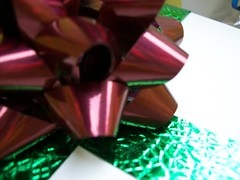 2010/16/12 (jazzijava) Tags: santa christmas white holiday green wrapping festive pretty december photos maroon secret gift bow giftwrapping cookiebox giftgiving
