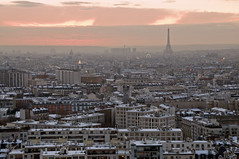 France - Paris 75019 - Sous la neige (Thierry B) Tags: france skyline geotagged photography frankreich europe cityscape exterior photos outdoor dr frana getty geotag fr extrieur iledefrance parijs idf gettyimages urbanscape pars  parigi  geolocation 75019 pras photographies   visit75019    horizontales europedelouest   paysageurbain      thierrybeauvir  beauvir wwwbeauvircom droitsrservs 19mearrondissement  parisgeotagged 20101209 rueandrdanjon
