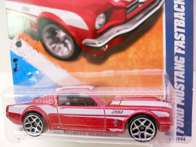hot wheels ford mustang fastback red (2)