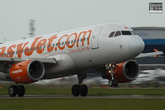 G-EZBF - 2923 - Easyjet - Airbus A319-111 - Luton - 100513 - Steven Gray - IMG_0997