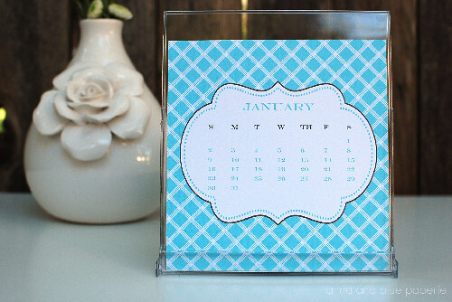 anna and blue paperie calendar 1