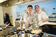 Manoel Petry e o Chef Jean-Claude Nortia ([ manoel petry ]) Tags: kitchen canon de foto restaurante cocina gastronomia dining dishes jantar cozinha fotógrafo whotel gastronomy platos culinária comedor manoel pratos alimentos santiagochile petry foodphotographer manoelpetry foodstylist fotógrafodegastronomia foodfotography chefjeanclaudenortia showcooks wwwmanoelpetrycom manuelpetry manoelpetri fotografiadaliments dinarfotografia fotografarcomida