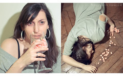 Item Collaboration〚4/31〛CANDY (Valeska Simon) Tags: portrait canon dead death candy wineglass overdose fraisetagada 550d itemcollaboration