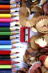 LÁPICES DE COLORES / Crayons (ángel mateo) Tags: wood pencil pencils madera chip crayon remains sharpener lápices restos sacapuntas viruta lápicesdecolores colorphotoaward ángelmartínmateo ángelmateo