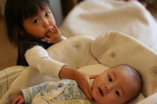 生後半年の息子、2歳7ヶ月の娘