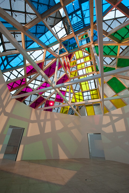 "DANIEL BUREN ""ARCHITECTURE, CONTRE-ARCHITECTURE : TRANSPOSITION"" . TRAVAIL IN SITU"