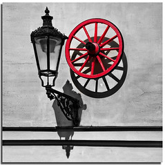 Shadowdesign (2) (Nespyxel) Tags: light shadow red lamp wheel design ombra double round forms rays rosso luce wagonwheel cerchio raggi ruota projections doppio proiezione rotondo nespyxel stefanoscarselli