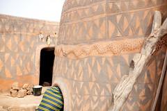 Tiebele (Swiatoslaw Wojtkowiak) Tags: africa architecture ethnic indigenous burkinafaso sahel 4611 tiebele