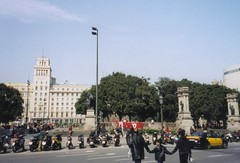 """placa catalunya, Barcelona • <a style=""""font-size:0.8em;"""" href=""""http://www.flickr.com/photos/9840291@N03/13918315672/"""" target=""""_blank"""">View on Flickr</a>"""