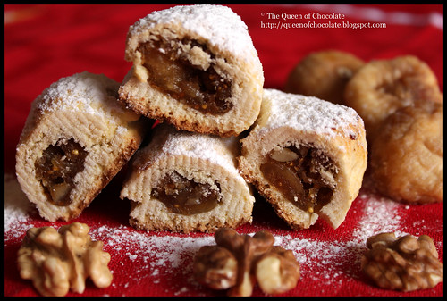 biscotti con noci e fichi - biscuits with nuts and figs