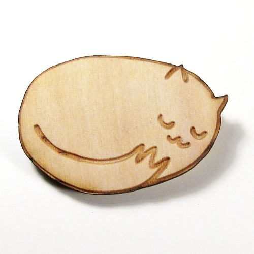 Sleepy Kitty Wood Pin 1