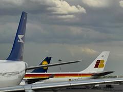 Que colas!! (Gonzak) Tags: travel viaje storm argentina plane fly airport casio tormenta aeropuerto gettyimages iberia 2010 aviones ezeiza colas aerolineas gonzak useta