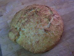 Crusty Portuguese-American Yeasted Cornbread