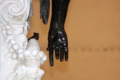 La mano de Medusa (Anna Zucconi) Tags: statue florence hands mani manos florencia firenze tp statua florenz dettaglio tracksofthepast