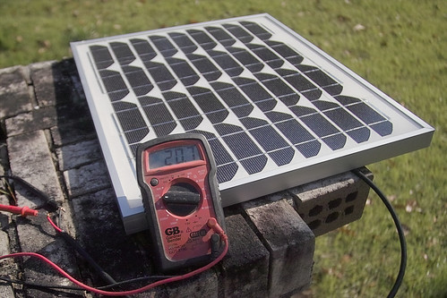 1.14 amp Solar Trickle Charger
