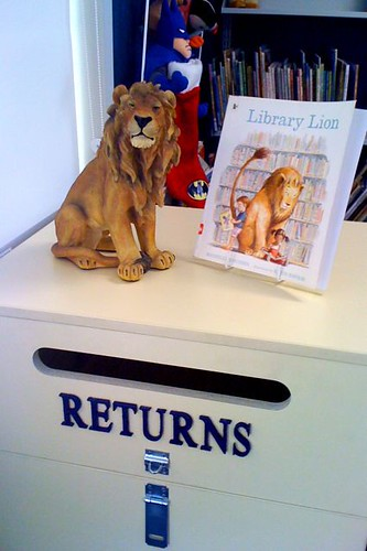 Lion and Returns box