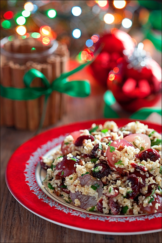 Wheat cereals with grapes, dried cranberries and walnuts