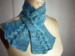 Cabled Keyhole Scarf PDF