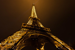 Eiffel Tower (seryani) Tags: city longexposure winter light paris france cold tower fall love monument rio night canon river dark atardecer noche town twilight europa europe torre tour view amor nieve eiffeltower eiffel amour toureiffel torreeiffel champdemars vista invierno francia nuit nocturne frio ue sena cityoflights nocturnes 1635mmf28l noctambule cityoflove canoneos5dmarkii 5dmarkii 5dmarkiiseine