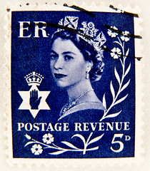 stamp Wilding 5d 5p blue North Ireland regionalstamp Postage Revenue E R Queen Elizabeth pre-decimal United Kingdom timbre selo franco bollo sellos England Nordirland Briefmarke Queen Elsabeth royal Windsor Commonwealth Elisabetta II Windsor エリザベス2世 (stampolina, thx for sending stamps! :)) Tags: uk greatbritain blue portrait england azul postes er unitedkingdom stamps retrato royal stamp porto gb windsor 5d blau portret timbre azzurro ブルー commonwealth postage regional elizabethii franco qeii портрет biru bleue queenelizabeth revenue selo marka ポートレート sellos predecimal wilding grossbritannien 肖像 صورة синий 蓝色 briefmarke أزرق northireland francobollo timbres nordirland portré timbreposte bollo голубой 兰色 切手 fivepenny 푸른 марка azzur नीला สีน้ำเงิน queenengland 集邮 postagerevenue postapulu königinelsabeth blue5d azzurroazul jíyóu маркаевропа regionalstamps yóupiàoōuzhōu regionalstamp regionalmarken