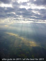 frohes neues jahr / happy new year (mp.ch) Tags: sky clouds landscape lumix schweiz switzerland wolken aerialview zrich approach landschaft sonnenstrahlen happynewyear luftbild kloten zh lszh landeanflug frohesneuesjahr neujahrswnsche