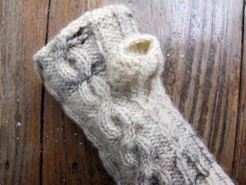 ケーブルの指なし手袋
