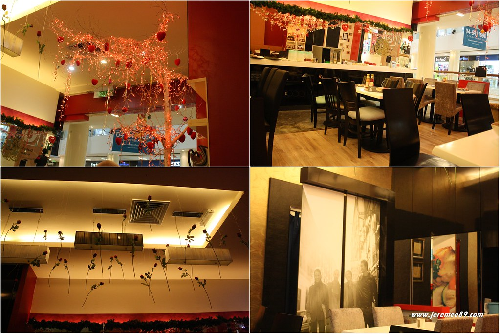 Breeks Cafe @ Queensbay Mall - Environment