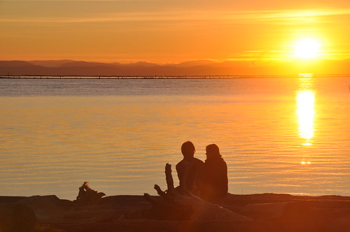 TRR: Garry Point Sunset Couple