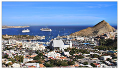 Cabo San Lucas, Baja California Sur, Mxico (Ivanovsky Zapien) Tags: california travel sunset sea party sky people paisajes naturaleza bird art beach nature clouds canon golf landscape mexico fun atardecer mar town cabo barco gente offroad retrato pueblo playa paisaje canvas cielo 7d chicks baja tortuga vacations gaviota vacaciones cabosanlucas yat 2010 caribe crucero elarco yate 2011 mardecortiz
