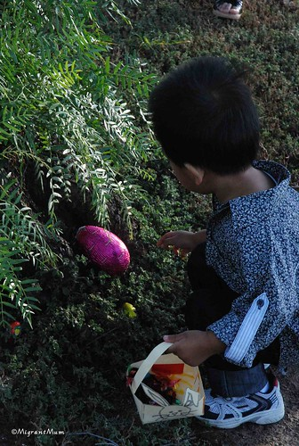 2010 Easter Egg Hunt (8)