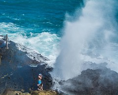 Getting the Close-Up at Halona Blowhole (Oliver Leveritt) Tags: nikond7100 afsdxvrnikkor18200mmf3556gifed oliverleverittphotography hawaii oahu halonablowhole geyser blowhole