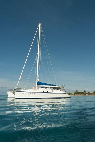 sailboat honduras catamaran roatan