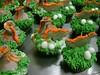 CUPCAKES TERRA DOS DINOSSAUROS (ronk doces) Tags: cake natal candy sweet chocolate marzipan acucar ceia coito lembrancinhas corporativos paodemel martarocha coroadoadvento